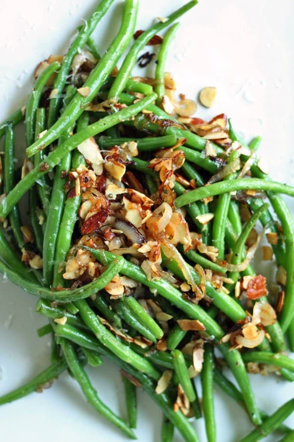 Parmesan toasted almond green beans2