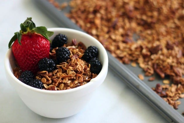 Simple homemade granola recipe 1